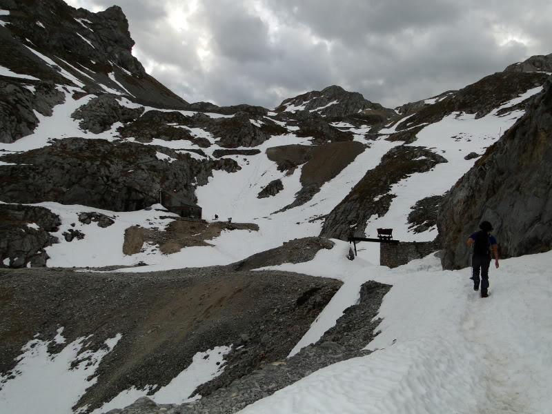 Pico Valdominguero 2.265m. desde Jito de Escarandi DSC07384