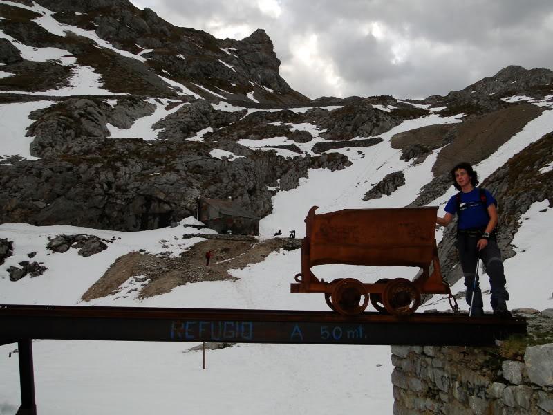 Pico Valdominguero 2.265m. desde Jito de Escarandi DSC07386