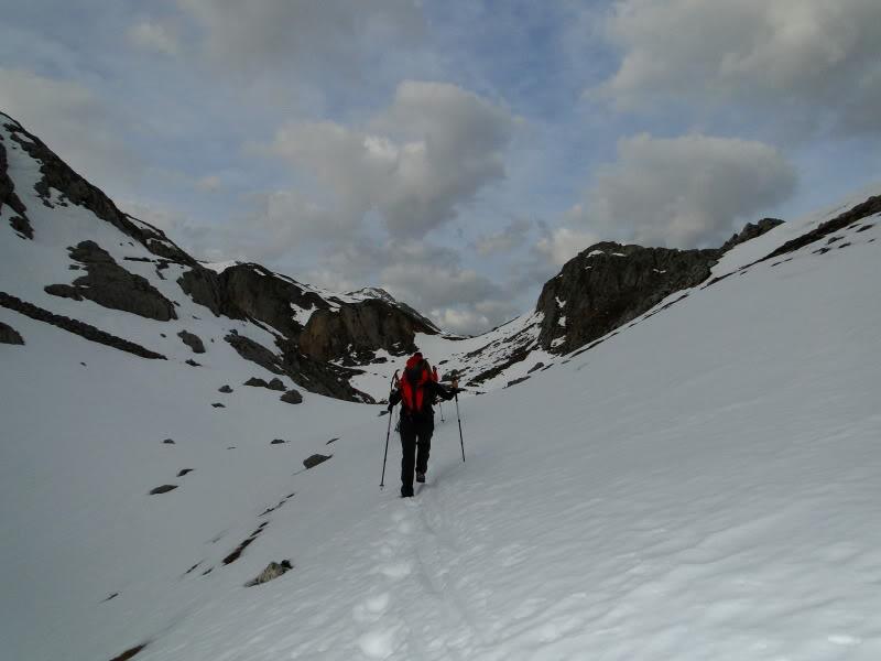 Pico Valdominguero 2.265m. desde Jito de Escarandi DSC07401