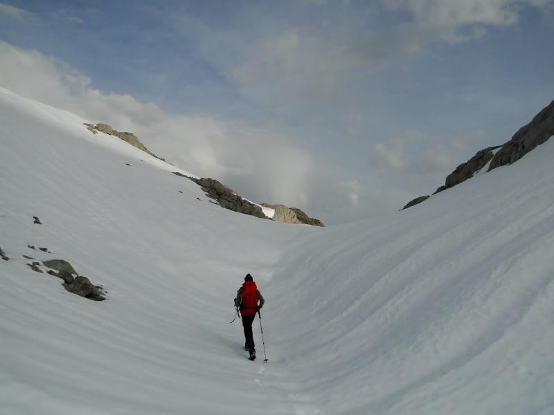 Pico Valdominguero 2.265m. desde Jito de Escarandi DSC07402