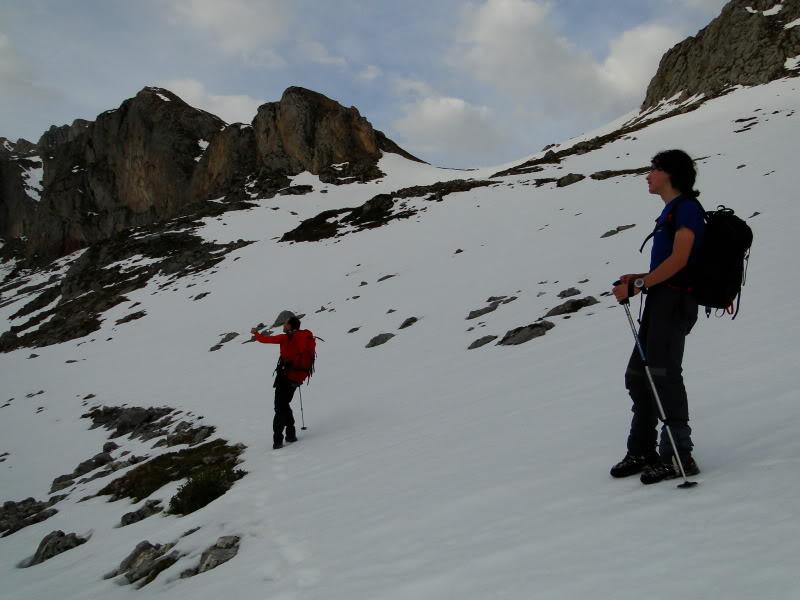 Pico Valdominguero 2.265m. desde Jito de Escarandi DSC07403