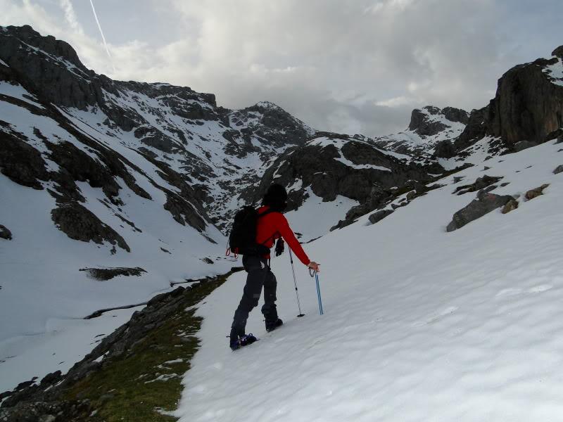 Pico Valdominguero 2.265m. desde Jito de Escarandi DSC07407