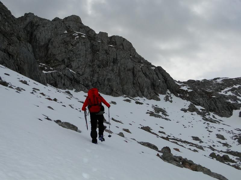 Pico Valdominguero 2.265m. desde Jito de Escarandi DSC07411