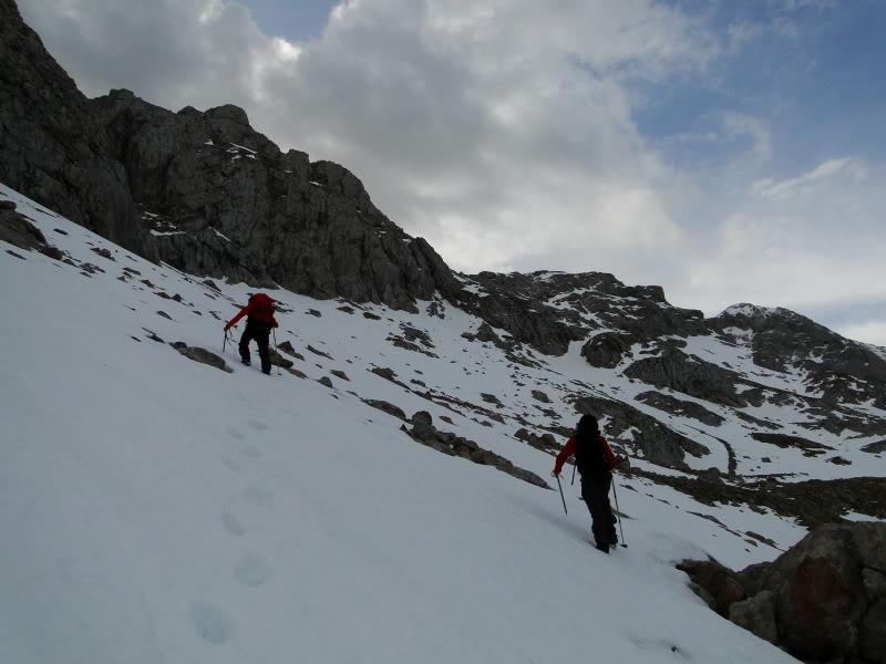 Pico Valdominguero 2.265m. desde Jito de Escarandi DSC07412