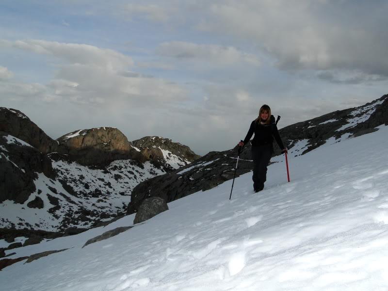 Pico Valdominguero 2.265m. desde Jito de Escarandi DSC07413