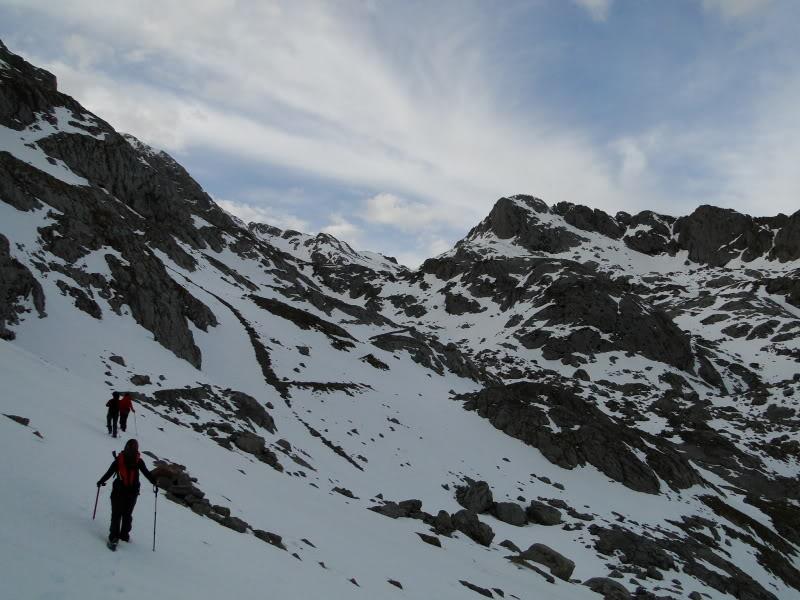 Pico Valdominguero 2.265m. desde Jito de Escarandi DSC07415