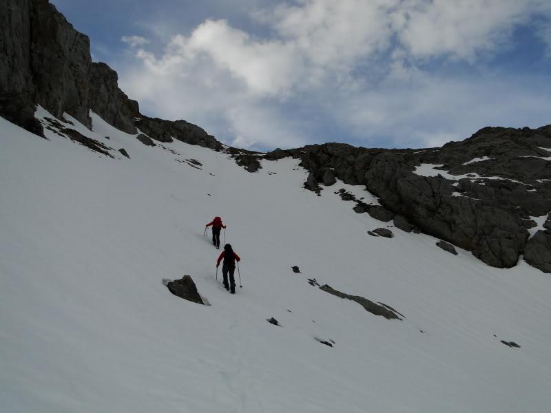Pico Valdominguero 2.265m. desde Jito de Escarandi DSC07417