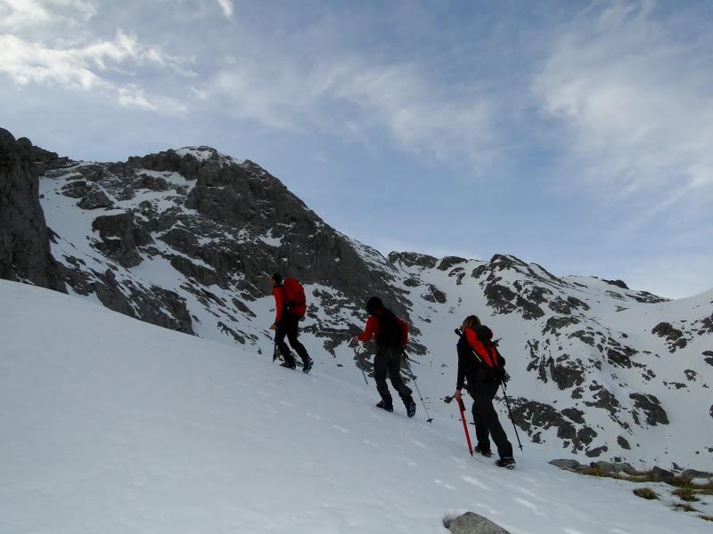 Pico Valdominguero 2.265m. desde Jito de Escarandi DSC07426