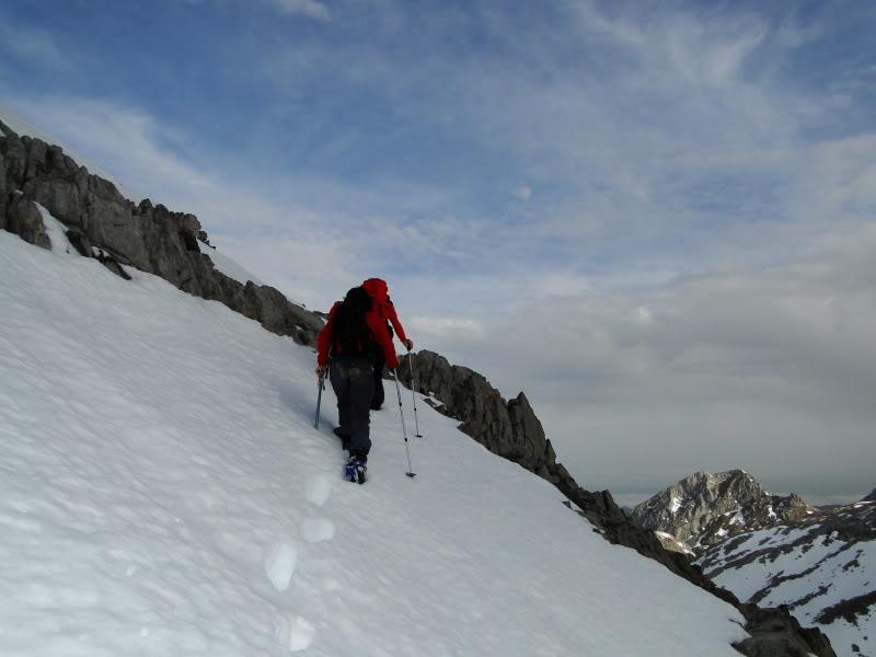 Pico Valdominguero 2.265m. desde Jito de Escarandi DSC07429