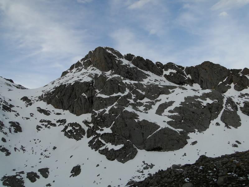 Pico Valdominguero 2.265m. desde Jito de Escarandi DSC07431