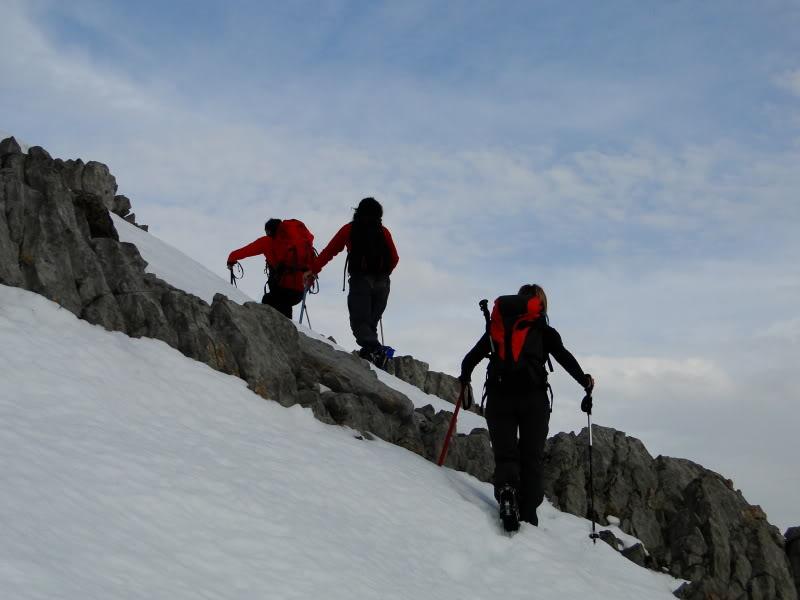 Pico Valdominguero 2.265m. desde Jito de Escarandi DSC07432
