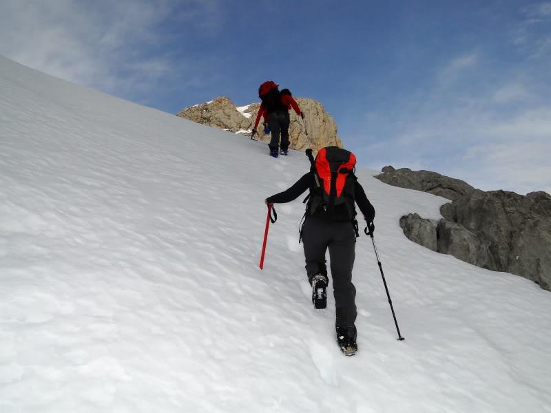 Pico Valdominguero 2.265m. desde Jito de Escarandi DSC07433