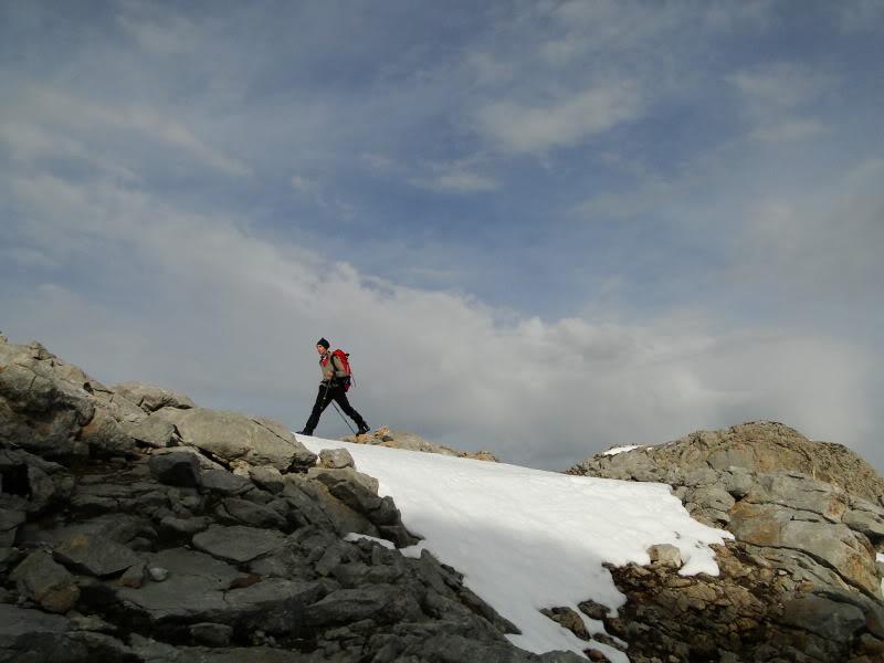 Pico Valdominguero 2.265m. desde Jito de Escarandi DSC07434