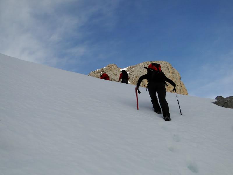 Pico Valdominguero 2.265m. desde Jito de Escarandi DSC07435