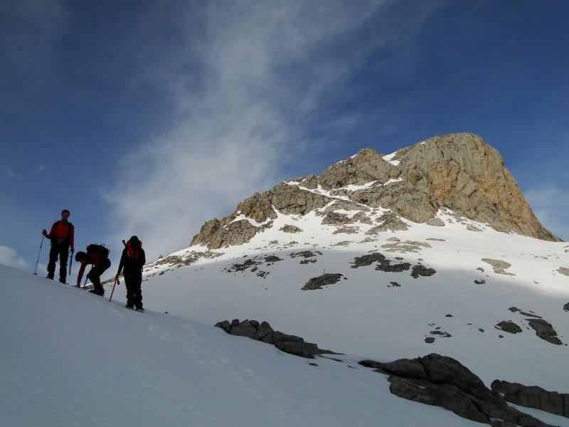 Pico Valdominguero 2.265m. desde Jito de Escarandi DSC07437