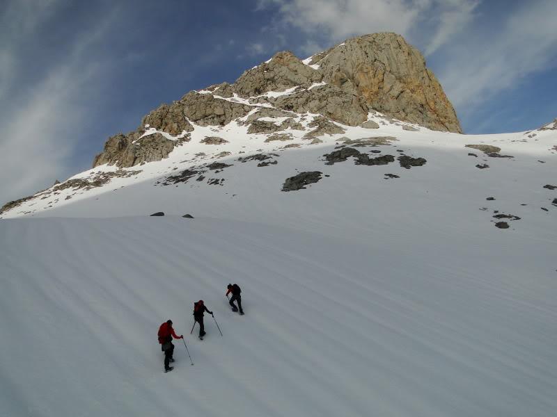 Pico Valdominguero 2.265m. desde Jito de Escarandi DSC07439