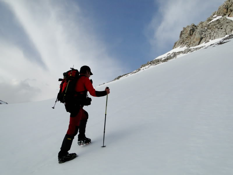 Pico Valdominguero 2.265m. desde Jito de Escarandi DSC07448