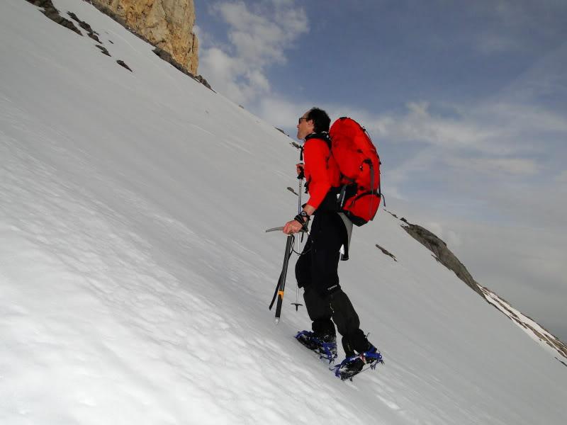 Pico Valdominguero 2.265m. desde Jito de Escarandi DSC07452