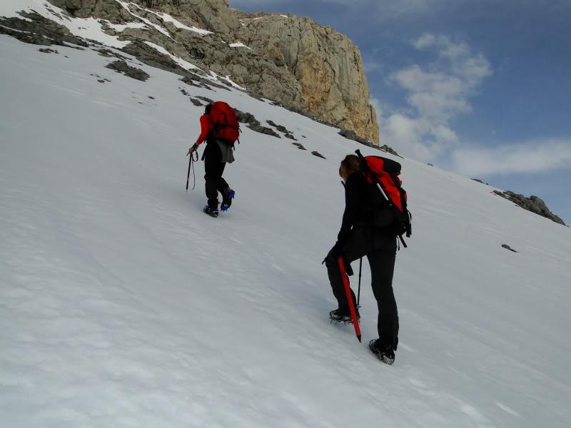 Pico Valdominguero 2.265m. desde Jito de Escarandi DSC07453
