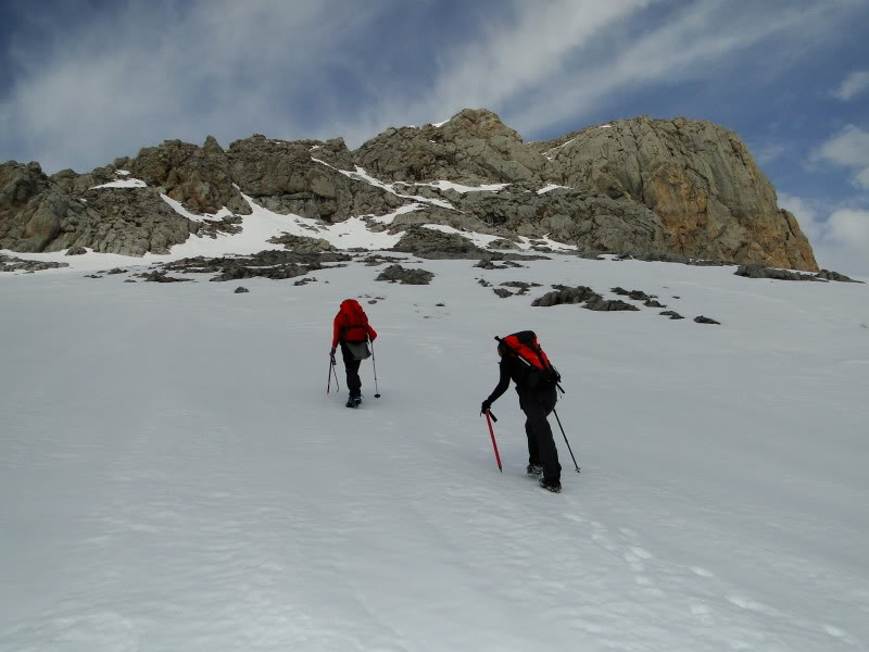 Pico Valdominguero 2.265m. desde Jito de Escarandi DSC07454