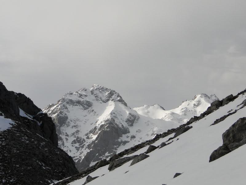 Pico Valdominguero 2.265m. desde Jito de Escarandi DSC07457