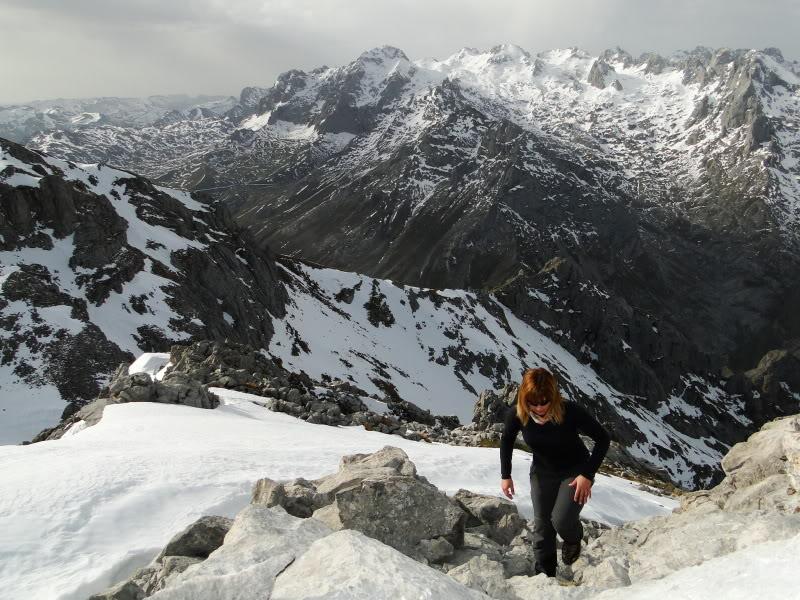Pico Valdominguero 2.265m. desde Jito de Escarandi DSC07471