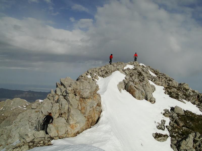 Pico Valdominguero 2.265m. desde Jito de Escarandi DSC07472