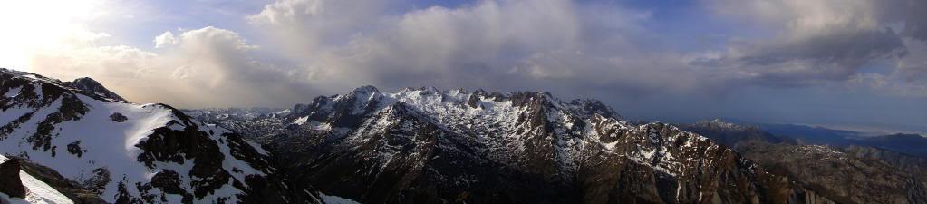 Pico Valdominguero 2.265m. desde Jito de Escarandi DSC07474-1