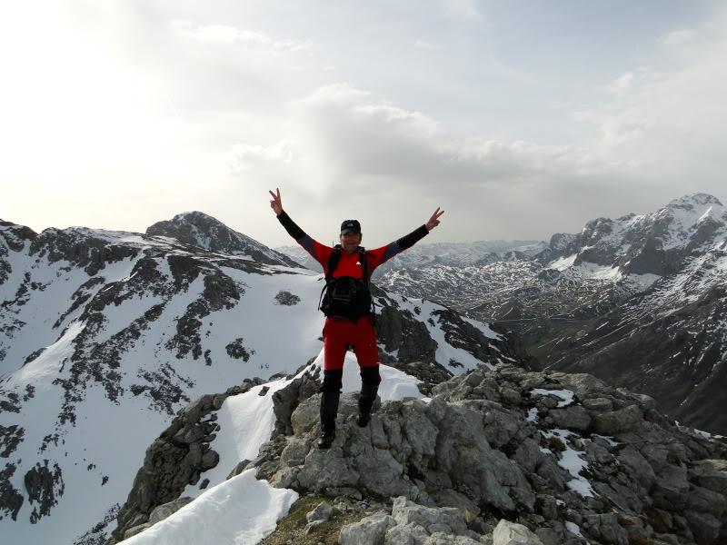 Pico Valdominguero 2.265m. desde Jito de Escarandi DSC07476