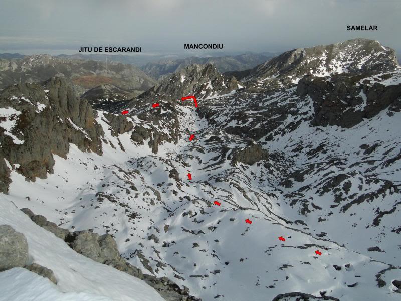 Pico Valdominguero 2.265m. desde Jito de Escarandi DSC07481