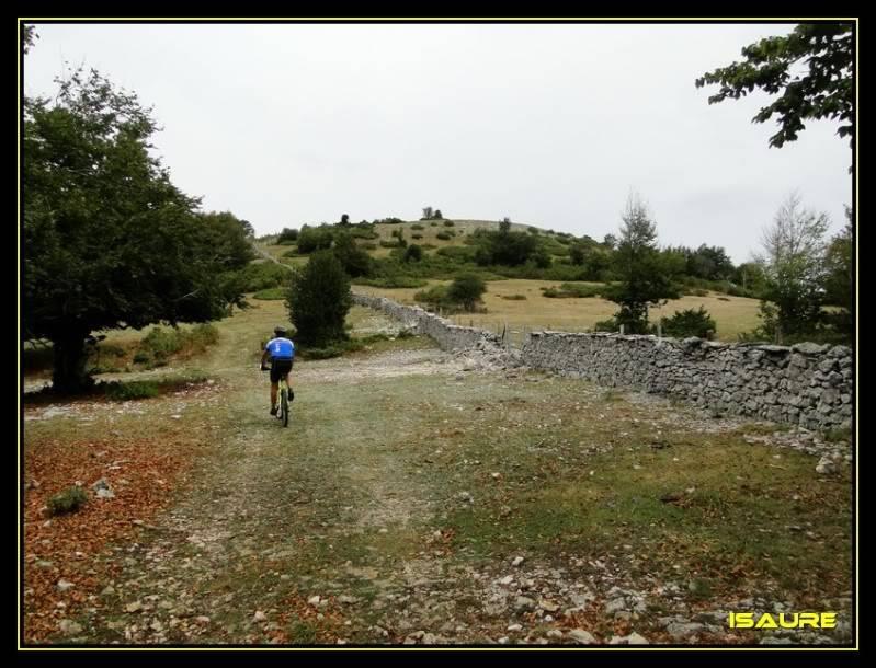 Dulantz 1.239m. San Adrian 1.113m. (Urbasa) DSC03502