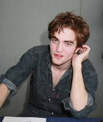 Robert Pattinson 7-robert-pattinson-lg