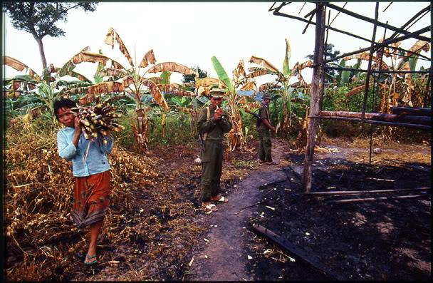 Quân đội Khmer đỏ: từ chiến thắng đến diệt vong 2431500956_87507c422c_o