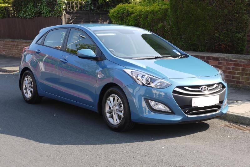Hyundai i30 CRDi 128 ch P1080249Edit