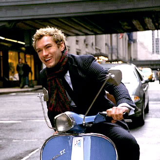 Jude Law!! Jude_Law_on_Vespa-701804