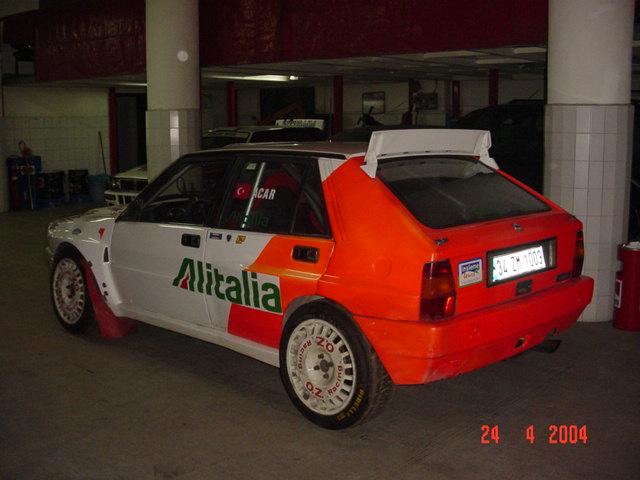 1/18 Lancia Delta Integrale HF, Group A, Iskender Atakan & Can Okan, Smoking Kills DSC01589