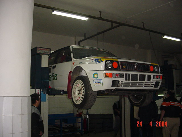 1/18 Lancia Delta Integrale HF, Group A, Iskender Atakan & Can Okan, Smoking Kills DSC01605