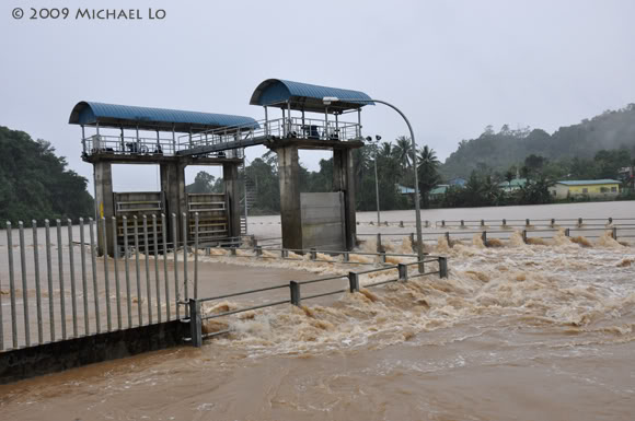 Inondation Sarawak  (Bornéo) Flood11-swk290109