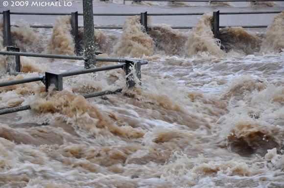Inondation Sarawak  (Bornéo) Flood12-swk290109