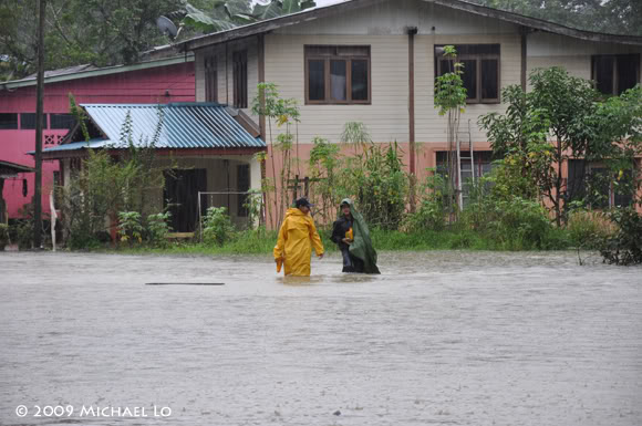 Inondation Sarawak  (Bornéo) Flood19-swk290109