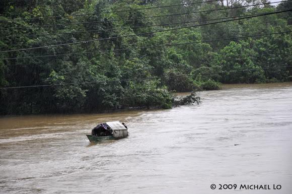 Inondation Sarawak  (Bornéo) Serian9-flood310109