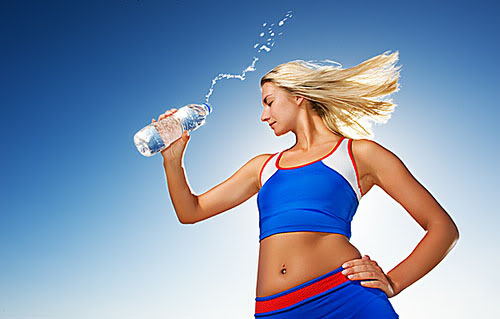 Análisis nutricional de una bebida energética Woman1