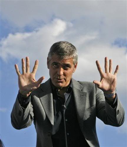 George Clooney - Page 3 George