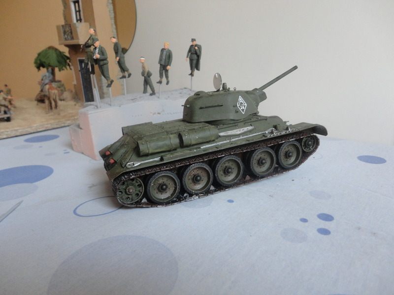 "Russian T34/76 Tank ""ChTZ"" Version 1943 Production (tamiya 1/35) DSC01649_zpsnlhu3y82"