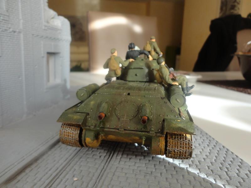 "Russian T34/76 Tank ""ChTZ"" Version 1943 Production (tamiya 1/35) DSC01656_zpszysfktfm"