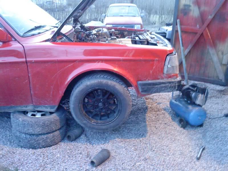 Andy_B - Volvo 244 (Motorn såld) - Sida 6 DSC00863