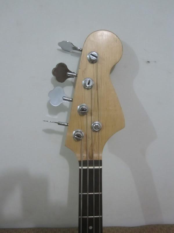 Seria o meu baixo um Tagima TP-4? Bass4