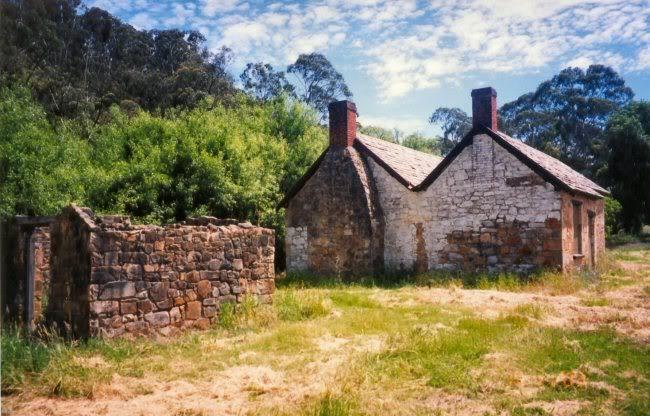 Mackereth Cottage - Destroyed! 2633Mackereth_Cottage_Scotts_Creek_