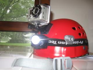 Spéléo : éclairage externe et fixation casque IMG_0660