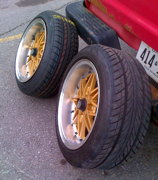 stretched tires 090515-tirecomparison